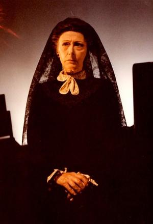 """Lilla Brignone ne """"La casa di Bernarda Alba"""" di Federico García Lorca, regia di Giancarlo Sepe (1981)"""