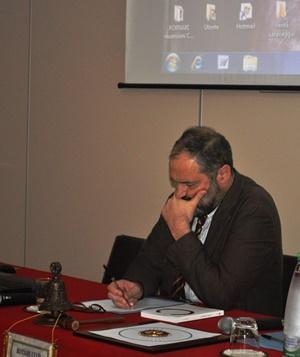 Giuseppe Fornari durante la sua conferenza a Siracusa