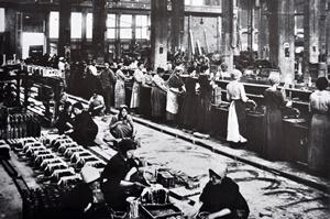 Operaie nelle Acciaierie Fiat, 1917