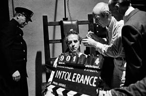 """Sul set del film """"Sacco e Vanzetti"""" di Giuliano Montaldo, 1971"""