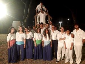 Il Maestro Alessandro Calcaramo e il gruppo musicale giovanile Corde Libere (Per gentile concessione di Alessandro Calcaramo)