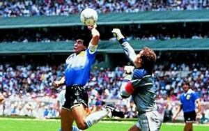 """""""Diego Maradona"""", la mano de Dios"""