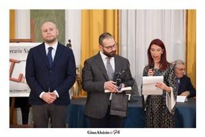 """Guido Mastroianni (presentatore della Cerimonia di premiazione),Giorgio Alaia e Chiara Ricci (Presidente dell'Associazione Culturale """"Piazza Navona"""")"""