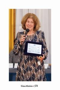 """La scrittrice Gabriella Grieco, vincitrice della sezione """"Racconti"""" al Premio Letterario Nazionale """"EquiLibri"""" 2018"""
