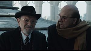 """Omero Antonutti e Pierfrancesco Favino in una scena del film """"Hammamet"""" di Gianni Amelio"""