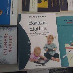 """""""Bambini digitali"""" di Mena Senatore (Il leone verde, 2019"""