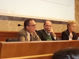 Il Professor Marco Severini con il professor Giovanni Sabbatucci e la senatrice Silvana Amati - Roma, Senato 2013 (Per gentile concessione del Professor Marco Severini)