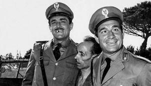 "Vittorio Gassman e Ugo Tognazzi ne ""I mostri"" di Dino Risi (1963)"